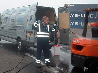 Fleet Management - Jet wash forklifts